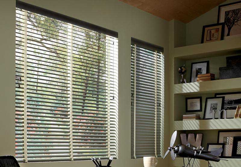 Natural Elements® horizontal aluminum blinds with a wood valance